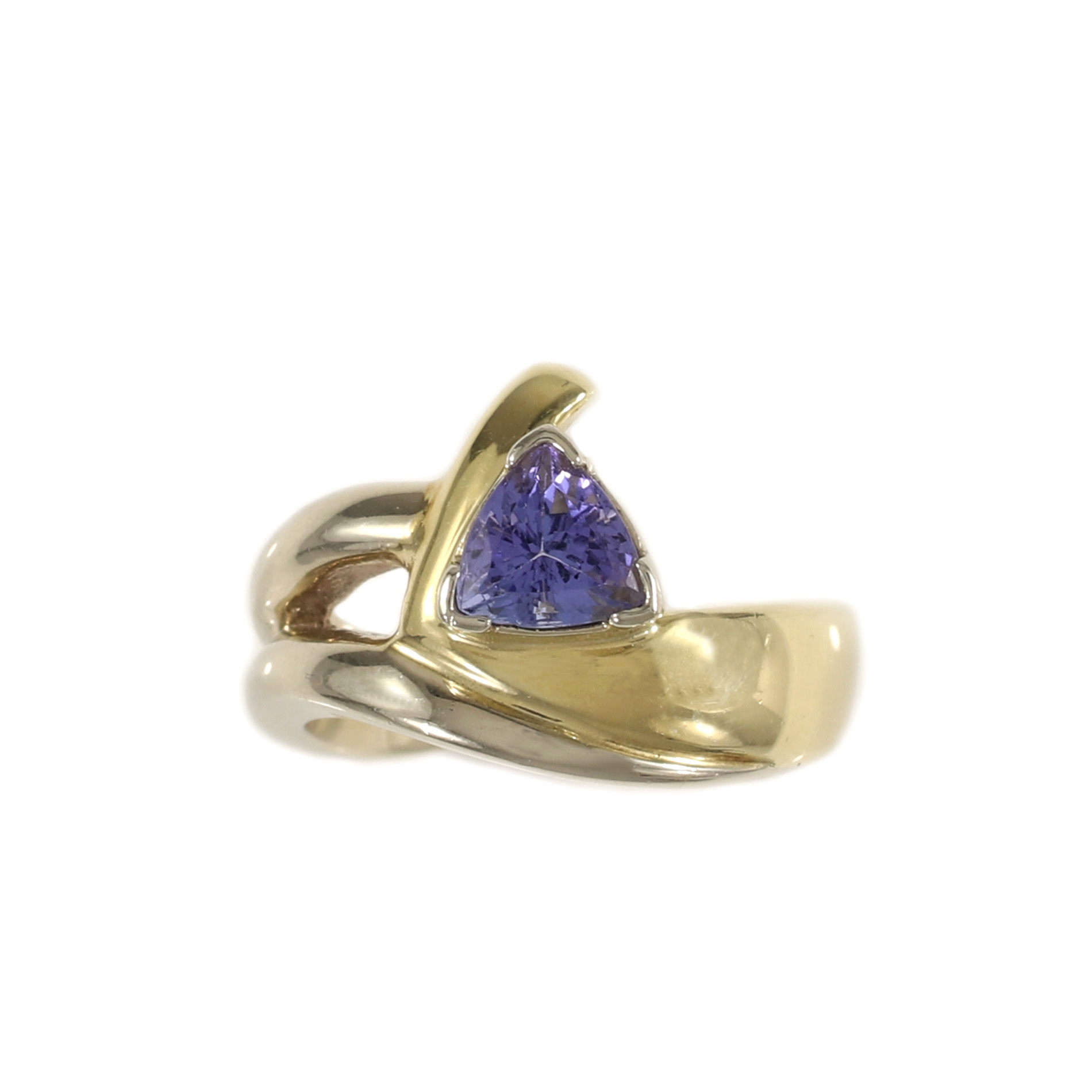 tanzanite cut gold ring white diamond trillion and